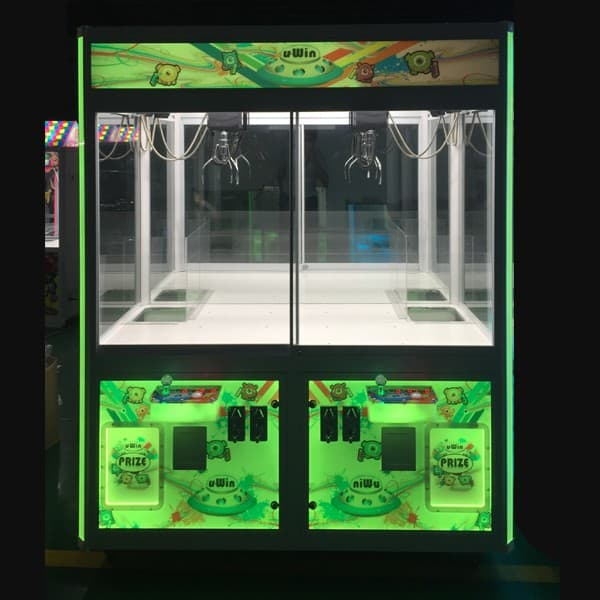 Point-of-Purchase-SAW-U-Win-Arcade-Game-Backlit