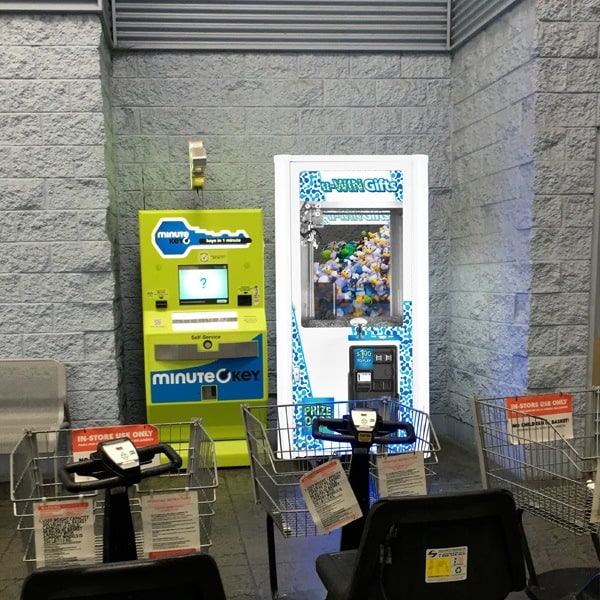Point-of-Purchase-SAW-U-Win-Gifts-Arcade-Game